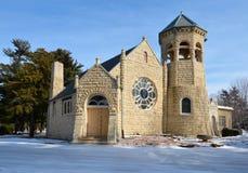 绿树林教堂 库存照片
