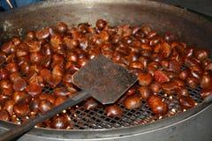 栗子和烟 烹调在10月 图库摄影