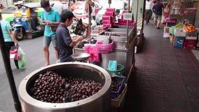 栗子街边小贩在曼谷 股票视频