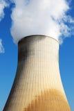 核发电站冷却塔 免版税库存照片