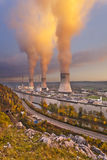 核发电站日落 免版税库存照片