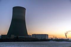 核电站日落日出辐射土壤环境 库存图片