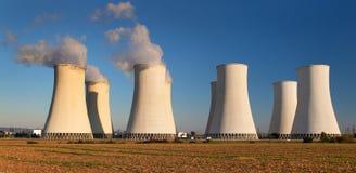 核电站色的日落视图  库存照片