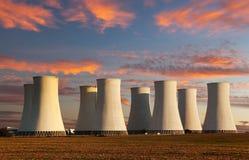 核电站色的日落视图  图库摄影