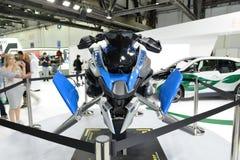 根据乐高技术BMW R 1200 GS冒险成套工具未来派概念翱翔车的 免版税库存图片