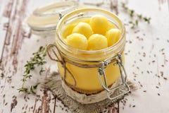 根据传统印度食谱的酥油油 免版税库存照片