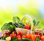 根据未加工的有机菜的平衡饮食 库存图片