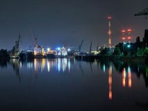 格但斯克晚上造船厂 图库摄影