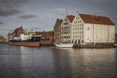 格但斯克波兰- 2016年10月13日:Motlawa河的小游艇船坞在Gd 免版税库存照片