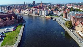 格但斯克波兰 有Motlawa河的,吊桥,主要纪念碑老城市 股票视频