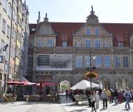 格但斯克,波兰威严25 :绿色门视图街市在从波兰的格但斯克 免版税库存图片