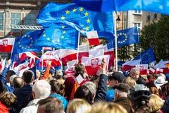 格但斯克,波兰, 05 03 2016 - 有欧盟旗子的人们  免版税图库摄影