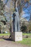 格但斯克,波兰- 2017年4月18日:在高门公共汽车站的玛丽亚Konopnicka纪念碑 免版税库存图片