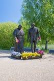 格但斯克,波兰- 2017年5月22日:教宗若望保禄二世和罗纳德Regan总统的罗纳德Regan公园的纪念碑在格但斯克Przymorze 免版税图库摄影