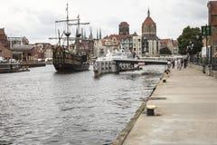 格但斯克,波兰- 8月04,2017 :在MotÅ 'awa河的都市风景 免版税图库摄影