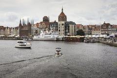 格但斯克,波兰- 8月04,2017 :在MotÅ 'awa河的都市风景 图库摄影