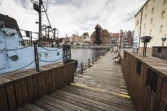 格但斯克,波兰- 8月04,2017 :维斯瓦河在历史的城市 库存照片