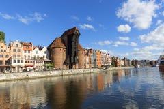 格但斯克,长的堤防街道,格但斯克,波兰中世纪口岸起重机  图库摄影