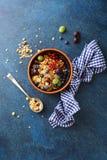 格兰诺拉麦片用夏天果子 库存照片