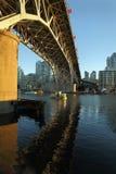 格兰维尔桥梁, False Creek,温哥华 免版税库存图片