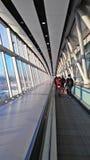 格域机场,英国- 01日DEC 2016年-游人盖特威克A到达了 免版税库存照片