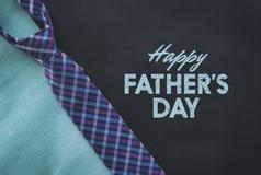 格子花呢披肩领带为父亲节 免版税库存照片