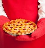 格子顶部自创樱桃饼 免版税库存图片
