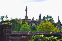 格拉斯哥在格拉斯哥大教堂前面的大墓地公墓,  免版税库存照片