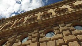 格拉纳达,安达卢西亚,西班牙- 2016年4月17日:圣玛丽亚阿尔罕布拉宫和教会  影视素材