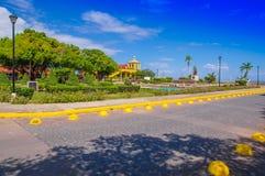 格拉纳达,尼加拉瓜, 2018年5月, 14日:一华美的公园ith的看法雕象纪念的弗朗西斯科Hern ndez de C rdoba, a 库存图片