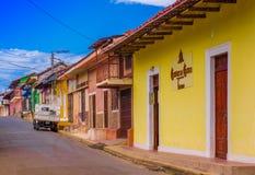 格拉纳达,尼加拉瓜, 2018年5月, 14日:五颜六色的房子行室外看法在dowtown的中心城市在格拉纳达 库存图片