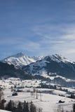 格斯塔德风景在瑞士,有雪的在冬天 免版税库存图片