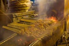格栅山羊街道食物的关闭在上海市 免版税库存图片