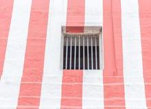格栅窗口,库姆巴科纳姆, Tamilnadu,印度看法  2016年12月15日 免版税库存图片