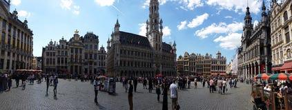 格罗特Markt全景在布鲁塞尔 库存照片