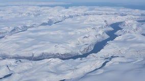 格陵兰的冰川和冰山的鸟瞰图 免版税图库摄影