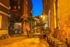 格鲁琼兹美丽的粮仓在晚上 免版税库存照片