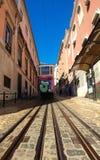 格洛里亚缆索铁路在里斯本 免版税库存照片