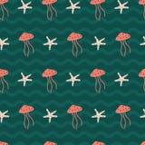 桃子水母和星钓鱼以波浪tosca绿色 免版税库存图片