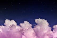 桃红色不可思议的云彩 免版税库存照片