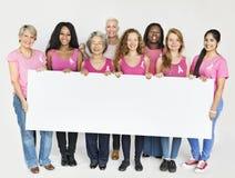 桃红色丝带乳腺癌了悟拷贝空间横幅概念 免版税库存照片