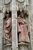 桃红色两个雕象在大教堂里在塞维利亚 库存照片