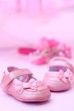 桃红色儿童鞋子 免版税库存照片