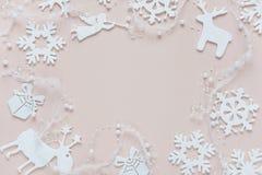 桃红色和白色圣诞节框架 库存照片
