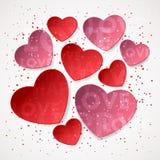 从桃红色和红色纸心脏和色的五彩纸屑,闪闪发光,尘土的贴纸 免版税库存照片