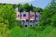桃红色和蓝色之家 库存图片