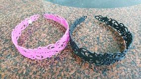 桃红色和黑发带 免版税库存照片