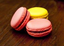 桃红色和黄色通心面 免版税库存图片