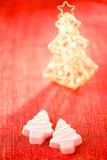 桃红色圣诞树自创甜点 免版税库存图片