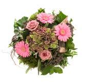 桃红色在白色和雏菊花束隔绝的花玫瑰 库存照片